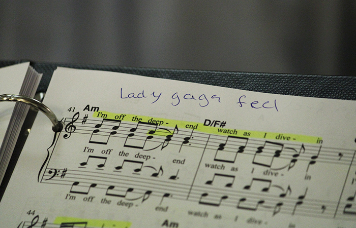 Lady-gaga-feel-700x450